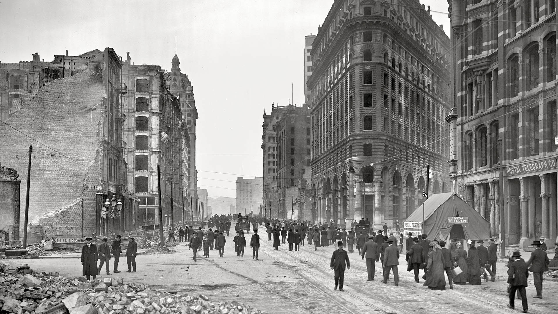 Market Street after the Earthquake, before the fire, 1906