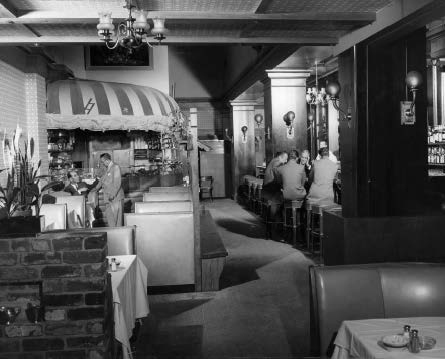 Main dining room with Oyster Bar. Author's collection.
