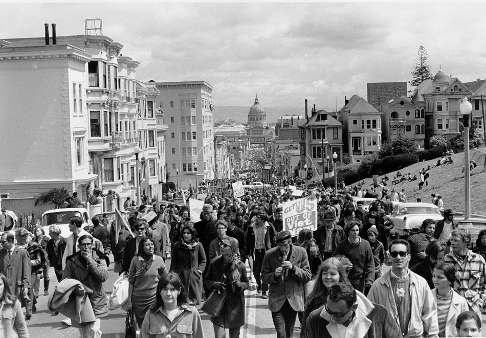 nti-Vietnam war demonstrators fill Fulton Street in San Francisco on April 15, 1967. The five-mile march through the city would end with a peace rally at Kezar Stadium. In the background is San Francisco City Hall. (AP Photo)